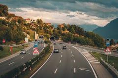 Autobahn in der Schweiz Stockbild