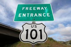 Autobahn-Eingangs-Zeichen US 101 Stockfotos