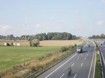 Autobahn am etykietka, autostrada i siła wiatru/ zbiory