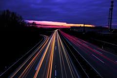 Autobahn för Lichter auf-der Royaltyfri Foto