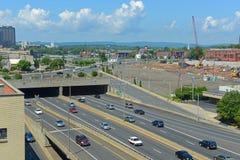 Autobahn 84 in Hartford, Connecticut, USA Stockbilder