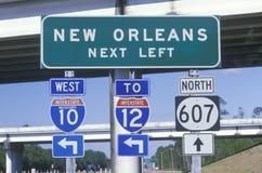 Autobahn kennzeichnet innen New Orleans stockbild