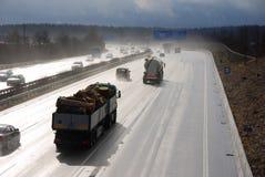 Autobahn mojado Imagen de archivo