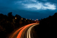 Autobahn-Nachtleuchten Stockbilder