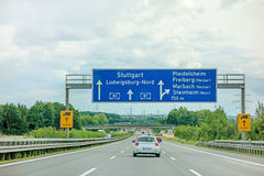 Autobahn A81 - Stuttgart/Ludwigsburg/Pleidelsheim stockfotos