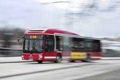 Autobús en velocidad Imagen de archivo libre de regalías