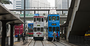Autobusów piętrowych tramwaje w Hong Kong Obraz Stock