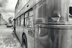 Autobus à impériale bosselé photo libre de droits