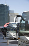 Autobus à l'aéroport Portugal de Lisbonne Image stock