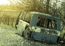 Autobus abandonné et démantelé Images stock