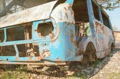 Autobus abandonné et démantelé Images libres de droits