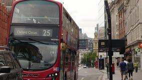 Autobus avec le cirque d'Oxford de destination banque de vidéos