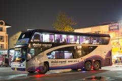 Autobus de Volvo d'entreprise de transport de Sasanan Photo libre de droits