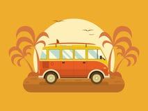 Autobus di viaggio sulla spiaggia di estate Fotografia Stock Libera da Diritti