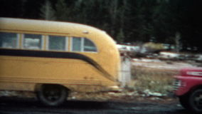 autobus et camion 1963 de short (de film de 8mm) banque de vidéos