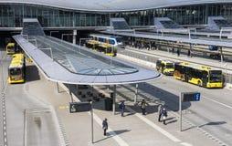 Autobus et gare ferroviaire Utrecht Photographie stock libre de droits
