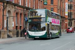 Autobus hybride de ville Image stock