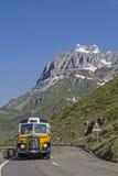 Autobus nostalgique de courrier image stock