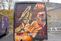 Autobus ou Russebuss de Russ dans la ville de Halden, art détaillé par Norvège image libre de droits