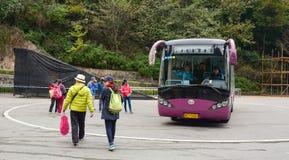 Autobus public sur la station à Tchang-cha, Chine Photographie stock