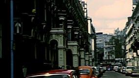 Autobus rouge de cru de Londres banque de vidéos