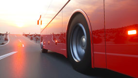 Autobus rouge touristique sur la route Piloter rapide Rendu 3d réaliste illustration stock