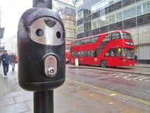 Autobus rouges, Angleterre Photographie stock libre de droits