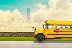 Autobus scolaire Images libres de droits