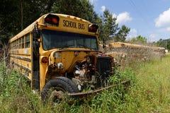 Autobus scolaire abandonné Images libres de droits