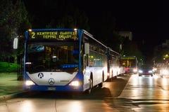 Autobuses de Larissa Urban Ktel en el Kentriki Platia Imagenes de archivo