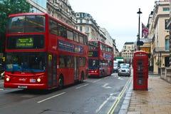 Autobuses de Routemaster en Londres Fotografía de archivo libre de regalías