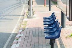 Autobusowa przerwa bez ludzi I wiele krzeseł Zdjęcie Stock