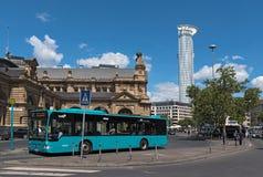 Autobusowa przerwa przed główną stacją, Frankfurt magistrala, niemiec - Am - zdjęcie royalty free