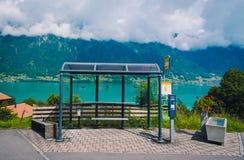 Autobusowa przerwa z Thunersee jeziorem Zdjęcie Royalty Free