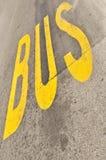 autobusowy szyldowy kolor żółty Zdjęcia Stock
