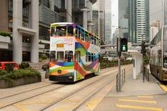 Autobusu piętrowego tramwaj na ulicie HK zdjęcie royalty free