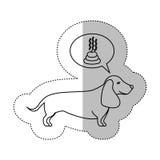 Autocollant moyen d'ombre de découpe monochrome avec la dunette de thinkin de chien de teckel Photographie stock