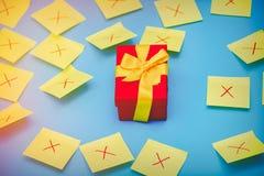 Autocollants de couleur et un boîte-cadeau sélectionné Images libres de droits