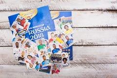 Autocollants et album collectables de Panini pour le football 2018 de la Russie W Images libres de droits
