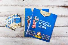 Autocollants et album collectables de Panini pour le football 2018 de la Russie W Photographie stock