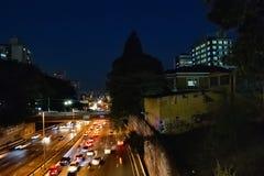 Autodoorgang in het vrijheidsdistrict Sao Paulo hoofdbrazilië royalty-vrije stock afbeelding