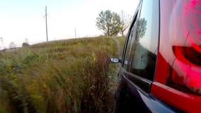 Autofahren durch die Landschaft stock video footage