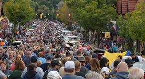 Autofest en Frankenmuth, Michigan dibuja a millares de entusiastas anualmente el primer viernes después de Día del Trabajo fotos de archivo libres de regalías