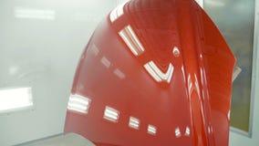 Autokap na het schilderen in een cabine van de auto'snevel Auto de kleurenkap van de voertuigkers Stock Afbeeldingen