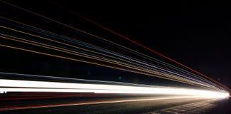 Autoleuchtespuren stockfotos