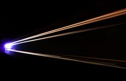 Autoleuchtespuren im Tunnel Lizenzfreies Stockfoto