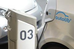 Autolib, servicio de la distribución de coche eléctrico en París Imagen de archivo libre de regalías