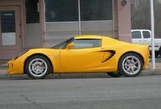 Automóvil amarillo del loto Imagen de archivo