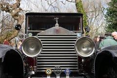 Automóvil clásico 1928 de Rolls Royce 20HP del vintage/parrilla y linternas delanteras del coche fotografía de archivo libre de regalías