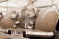 Automóvil descubierto 1800, coches del triunfo de la vendimia Foto de archivo